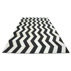 (via Yerra Herringbone Rug In Black And White - Yerra-hrngbne-blk-wh | Candelabra, Inc.)