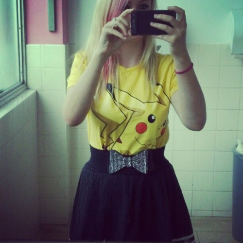 katketchum:  Bathroom selfies because my lecturer is running late. I promise i'm really cool okay. (Taken with instagram)