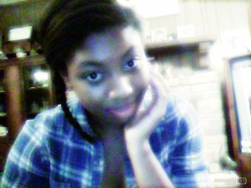 i look good with a side braid:)  i should make it my signature style lol..til it gets old..