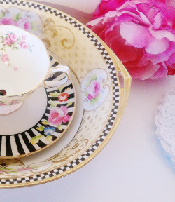 The Lucie Vintage China Dessert Tea Stand