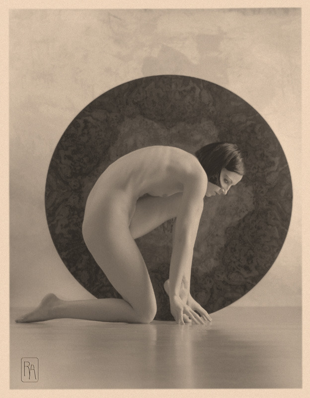lauramcphee:  In the Circle, 1920s (Alexei Galushkov) via mapetitemelancolie