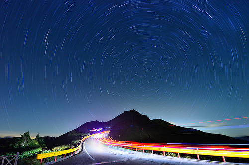 llbwwb:  star trails 02 (by David-Shih)
