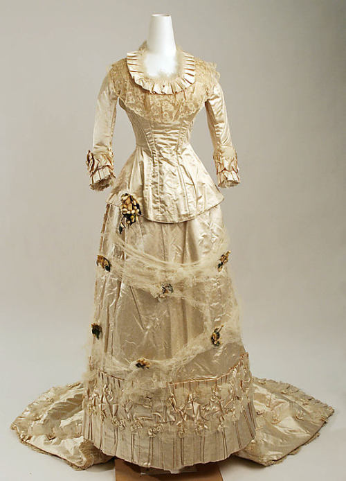 omgthatdress:  Wedding Dress 1879 The Metropolitan Museum of Art