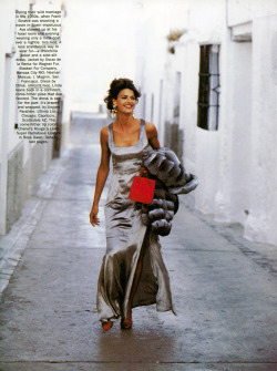 "80s-90s-supermodels:  ""Ava Gardner"", Vogue US, October 1990Photographer : Peter LindberghModel : Linda Evangelista ( Source : levangelista.net )"