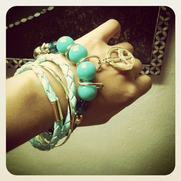 1. Peace. Bought this aquamarine bangles from @batikshop @sichuckako @cjvillegas 💚☺ #photoadaymay #picoftheday #photooftheday #instagram #webstagram #instagram #instamood #instagood #instadaily #instahub #ig #igers #igersmanila #iphoneography #iphoneasia #jj #bangles #peace #fashion (Taken with instagram)