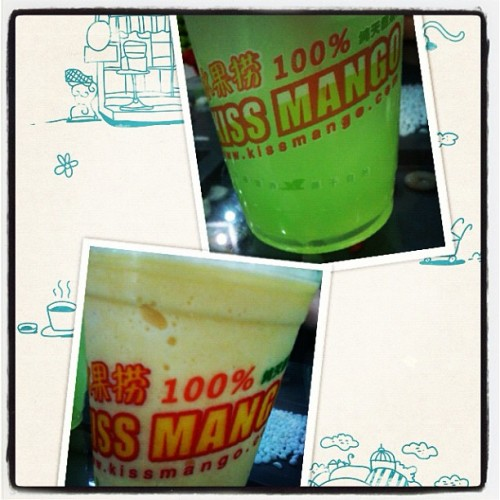 jelly lemonade and mango shake! summer is here!!!!! (使用instagram拍摄)