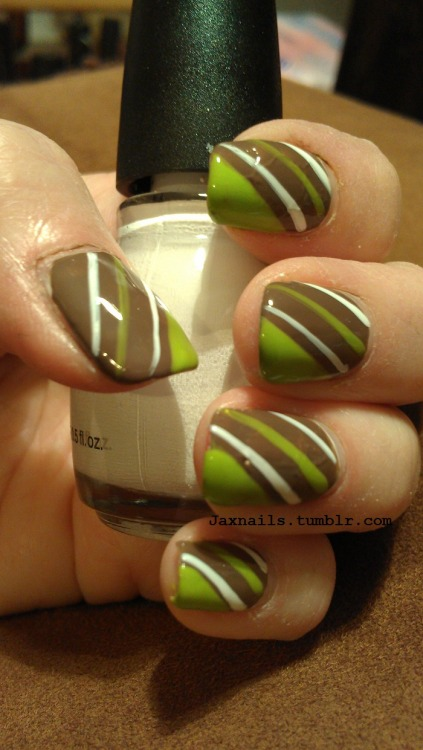 jaxnails:  I used Venique Full on Broque as a base coat, then Venique  Galoshes glow and Sinful colors Snow me white.  Lovvvvve!!!!