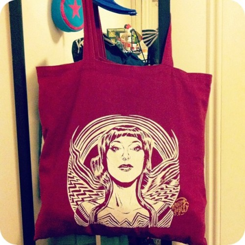 Boston Comic Con 2012 swag: Wonder Motif Tote Bag, by Ming Doyle. Fact: I haven't stopped using this tote since Boston Comic Con… it's perfect! Get your own Wonder Motif Tote HERE!