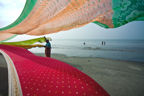 smithsonianmag:  Photo of the Day: Makar Sankranti Festival, Gangasagar Photograph by Avijit Datta (Kolkata, West Bengal), January 2010, Gangasagar Island