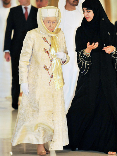 muslimpictures:  The QUEEN dresses modestly, A MUSLIMAH dresses modestly. The QUEEN doesn't shake hands with strangers, A MUSLIMAH doesn't shake hands with strange men. The QUEEN's status is raised as soon as she inherits the Crown, A MUSLIMAH's status is raised as soon as she wear's the Hijab. The QUEEN is proud of her bloodline, A MUSLIMAH is proud of her HIJAAB A MUSLIMAH in a Hijab, IS a Queen with her Crown! ♥