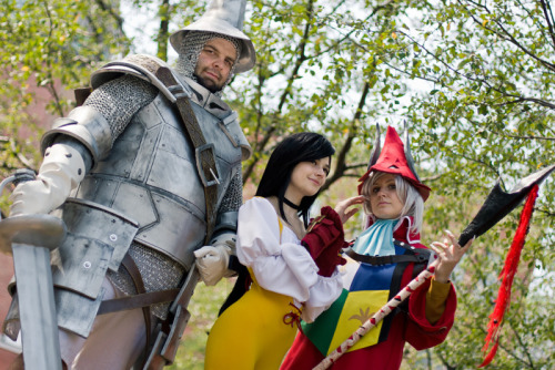 Me and my friends in our Final Fantasy IX cosplays :) Sakura_CC as Freya FullMetal_Sam as Steiner Me as Garnet Photo by Genkimami  I love them so muchh <3