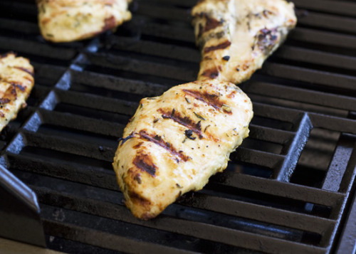 kbjb:  rosemary mustard grilled chicken. looking for any excuse to use Dijon in every recipe these days. also: this is paleo-friendly. recipe over @ Handle the Heat.