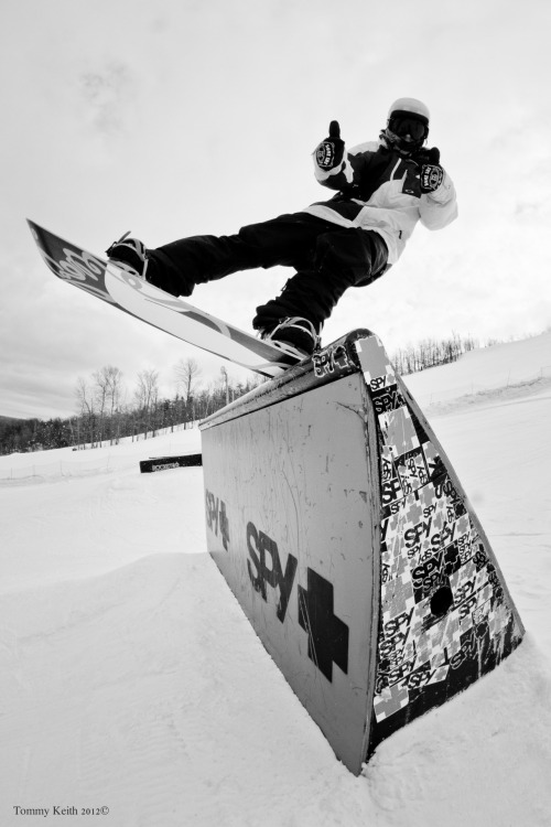 fysnowboarding:  Greg Florio. Photo: Tommy Keith