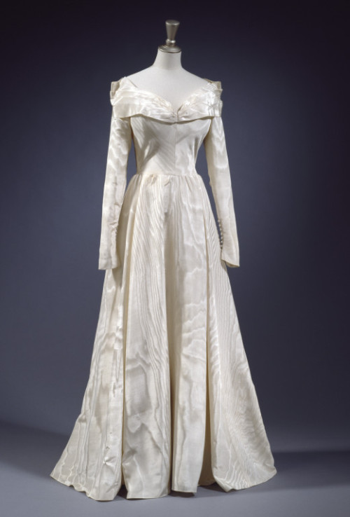 Wedding Dress 1948 The Victoria & Albert Museum