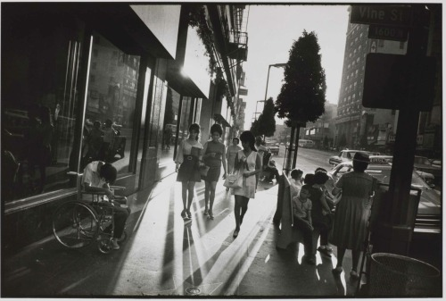 Garry Winogrand, Los Angeles, 1969 Finally saw this print IRL at AIPAD a few weeks ago. That and diCorcia's more recent series on the American West were the highlights:  Philip-Lorca diCorcia, Sylmar, California, 2008 This print must have been at least five feet across, it completely consumed me