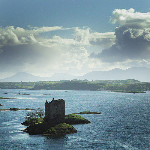 Castle Stalker, Scotland (by Etienn281)