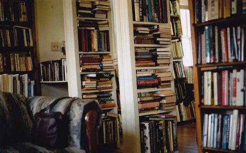 hislolita:  used bookstore, by poorly written history on Flickr.