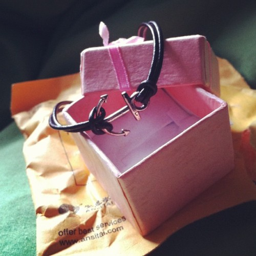 Got my #anchor bracelet in the mail today… I'm in love 💜 #bracelet #jewelry #pendant #charm #leather #pretty #nautical #anchorlove #box #package #mail #etsy #pretty #cute #jotd #silver #simple #love #iphoto #iphone4 (Taken with instagram)