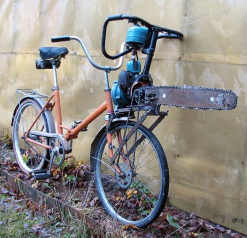collegehumor:   Chainsaw Bike   I'm going biking through a forest later.      Did someone say zombies?