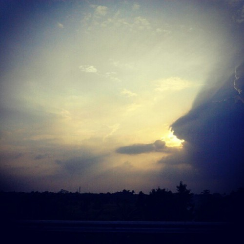 Where's sunshine? #instandroid #instagood #instadaily #sky  (Taken with instagram)