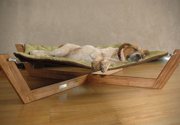 (via Bamboo Hammock Dog Bed » Design You Trust – Design Blog and Community)