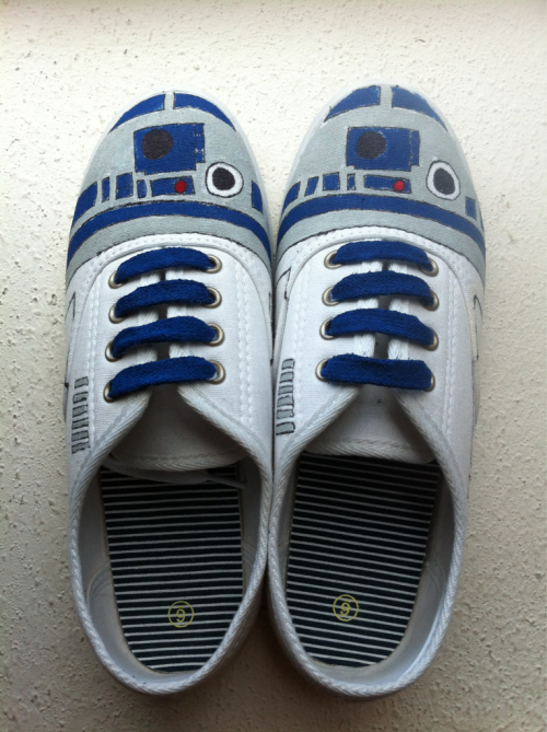 ladyvader:  ladyvader:  Just made a pair of R2 shoes. No big deal.  Want a pair of R2D2 shoes? You can now order them on my Etsy shop!    AWESOME!