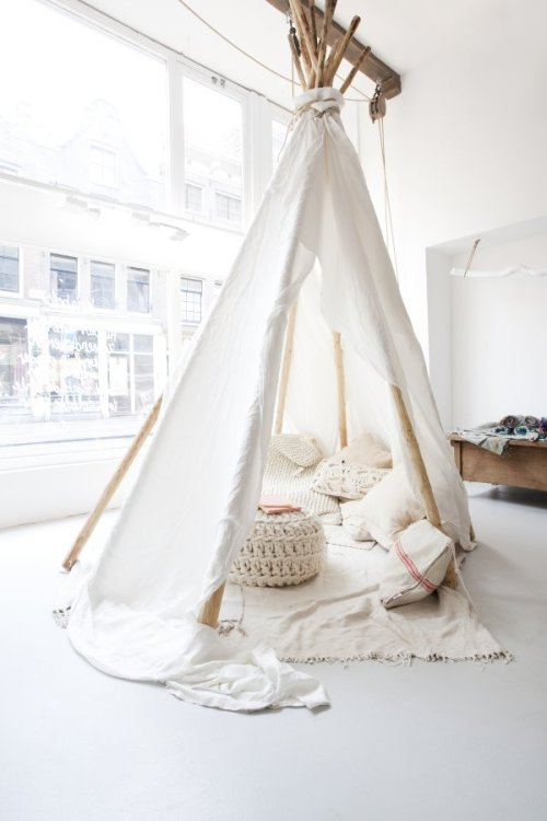 myidealhome:  indoor camping (via Nordic Bliss)