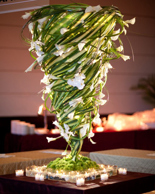 Look at this amazing twister centerpiece! Oh wow!
