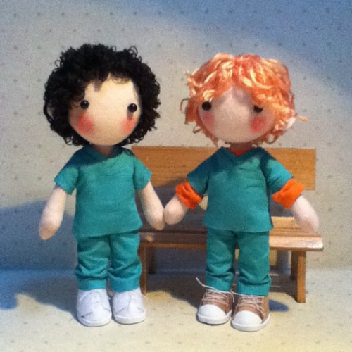 OMG, Mac & Guy dolls! They couldn't be more cute.  Made by pepeluiv  Via Stephen Mangan's twitter