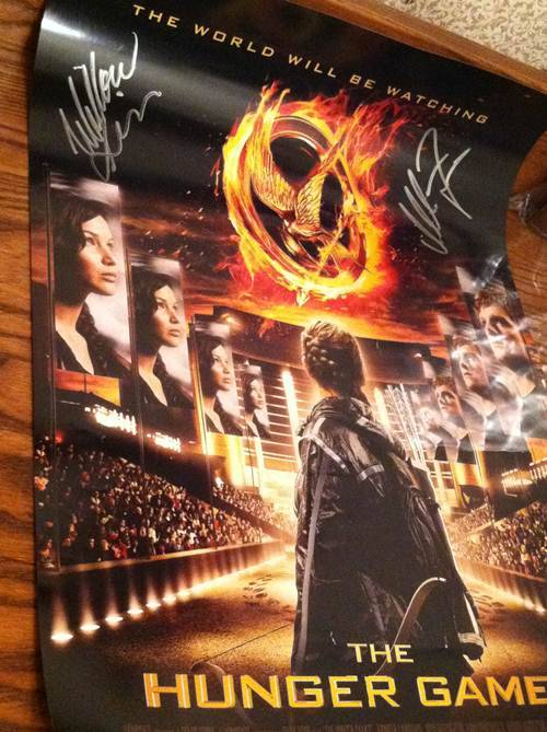 Win a Hunger Games poster signed by Isabelle Fuhrman and Willow Shields! http://www.hungergamestrilogy.net/2012/05/hunger-games-trilogy-fan-site-international-giveaway/