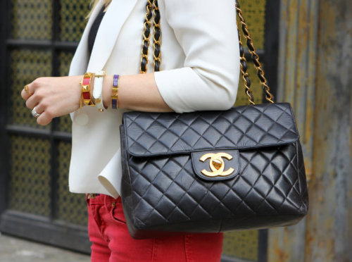what-do-i-wear:   Chanel Bag. Bracelets: J Crew, Hermes, Poshlocket. (image: brooklynblonde)