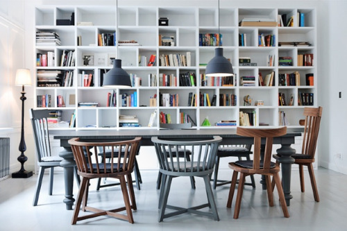 myidealhome:  shelves, lamps, mismatched chairs (via 79 Ideas)