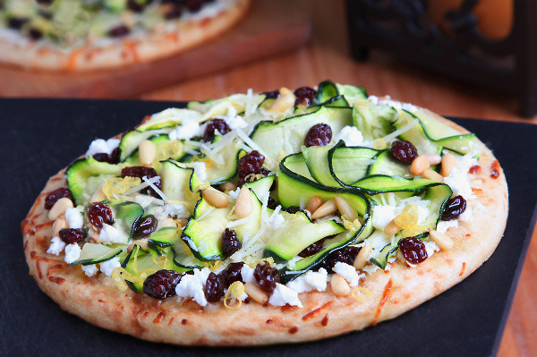 (via Meatless Monday: Zucchini ribbons and raisins pizza)