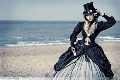 obscene-superstar:  Seaside Steampunk