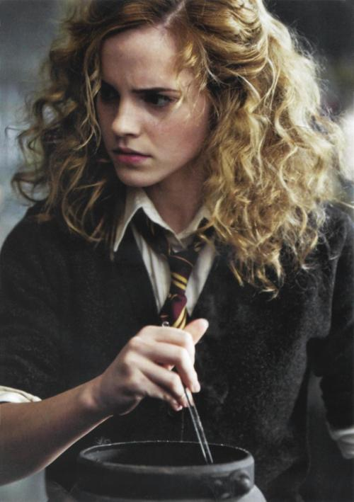 ranga-sauce:   #HER HAIR IN THIS SCENE SHOULD'VE BEEN THE WAY IT WAS 24/7