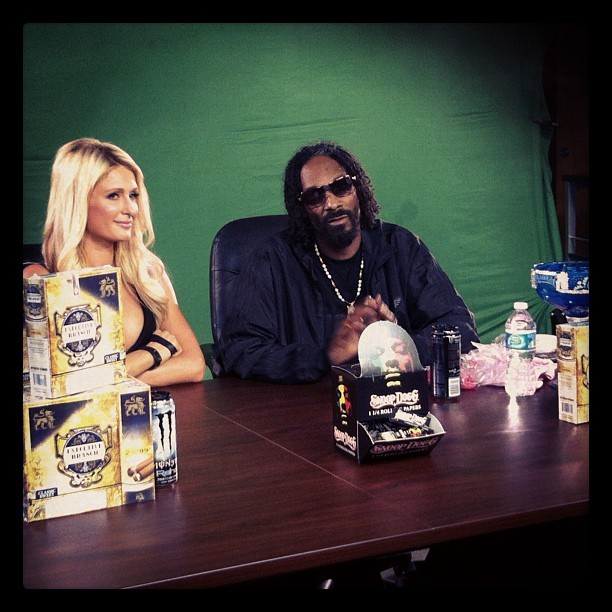 Me n sweet p @parishilton #ggn (Taken with instagram)