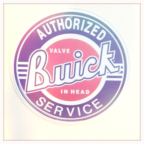 Buick. Authorised Service.  Bettie XL Lens, Blanko Film, No Flash, Taken with Hipstamatic