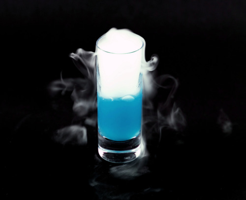 kitchencircadia:  'LISTERINE'altoids/certs/tictac powder - sprite - dry ice This was a really cool palate cleanser. I told my guests that it was listerine and asked them to gargle for about 5 seconds. Afterwards, I told them to swallow and it was amusing to hear them try to ask, really??, with their mouths full. It really did have the sensation of listerine though, but it was totally drinkable and it left the desired effect of refreshing the diner's palate. 2009 New Years Dinner(photographed by Adrian Sangalang)