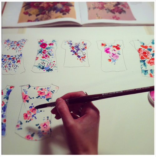 Beautiful textile design thumbnails by Helen Dealtry, http://wokinggirldesigns.blogspot.com/