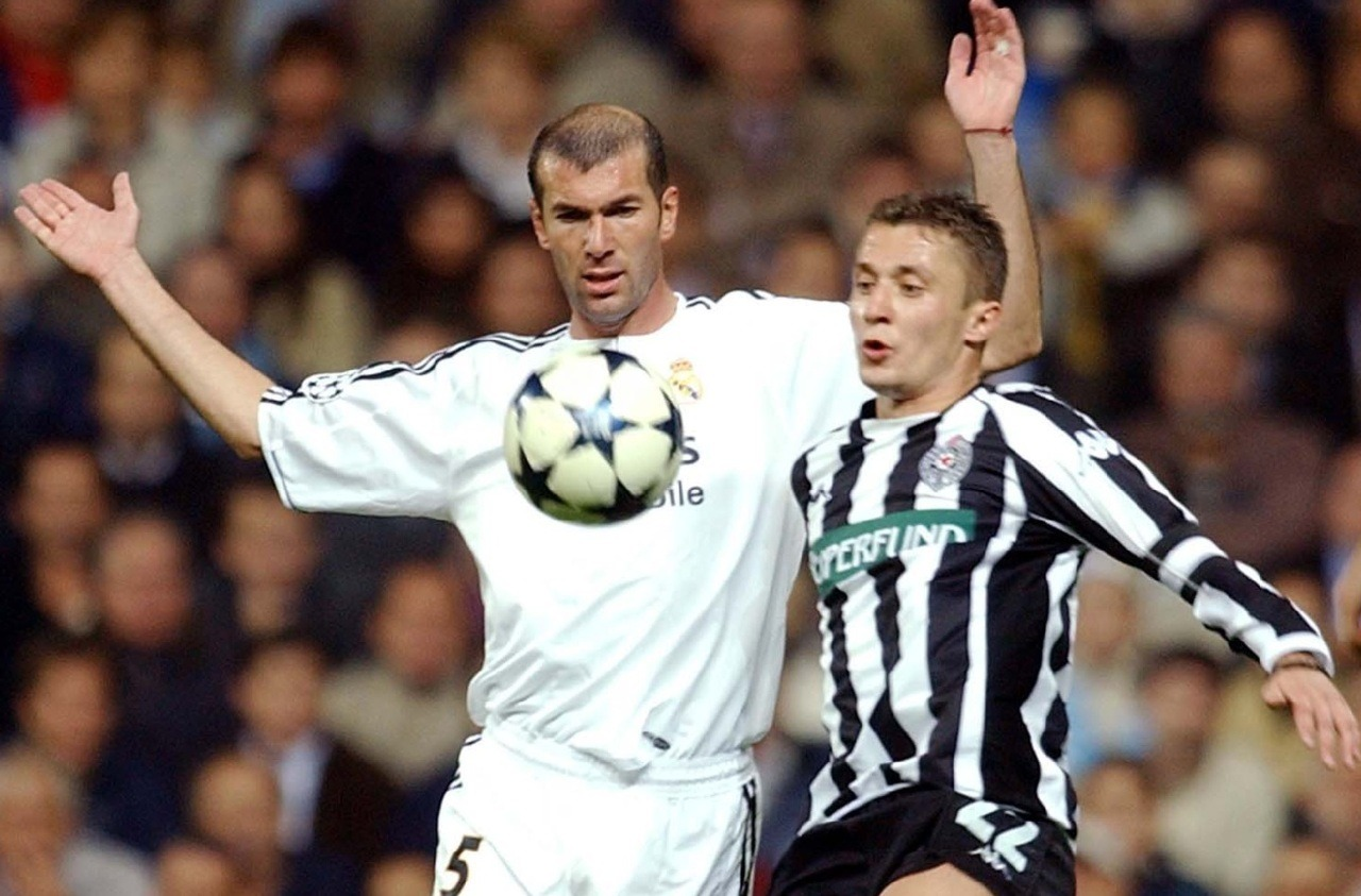 The greatest ever Partizan player Sasa Ilic going up against one of the best ever in a 0-0 draw at JNA 2003.