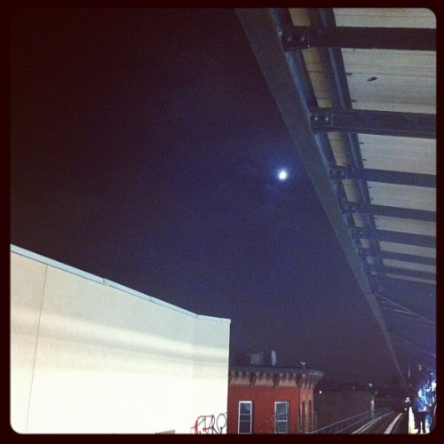 Moon over Myrtle Wyckoff (Taken with Instagram at MTA Subway - Myrtle/Wyckoff Ave (L/M))