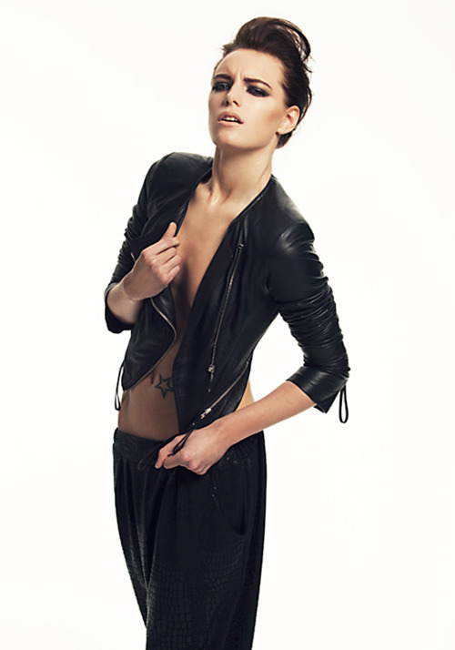 Erika Linder face claim wanted! Welcome to Utopia, at least that's what the members of the society call it. Sonnie Hollow is a small-town society where members have a name imprinted on the palm of their left hand, and not just any name either… this name is the name of the person they are to be with forever, whether it be because they will truly love that person or because that person can provide what they need for a good future, they are destined to be with only them. But what happens when people attempt to break away from the norm and be with the person they actually love who just so happens to not have the same name as what's been imprinted into their skin? |Application|Ask box|FAQ|Rules|Submit|