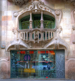 Casa Comalat - Barcelona by MorBCN on Flickr.