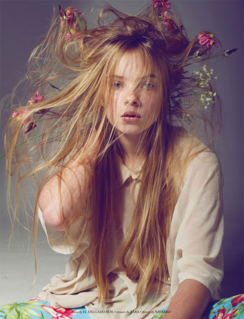 fuckyeahvintagediary:    Soveija by Antia Pagant for Dahse Magazine