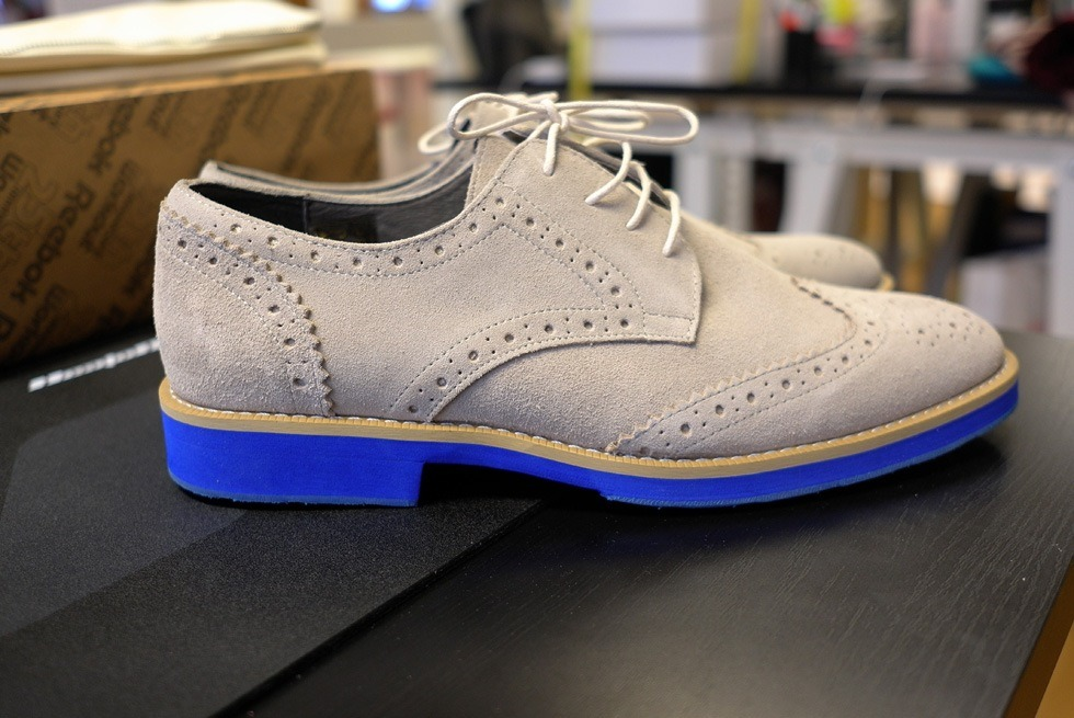 blue sole suede shoes from Din Sko (image: modeman)