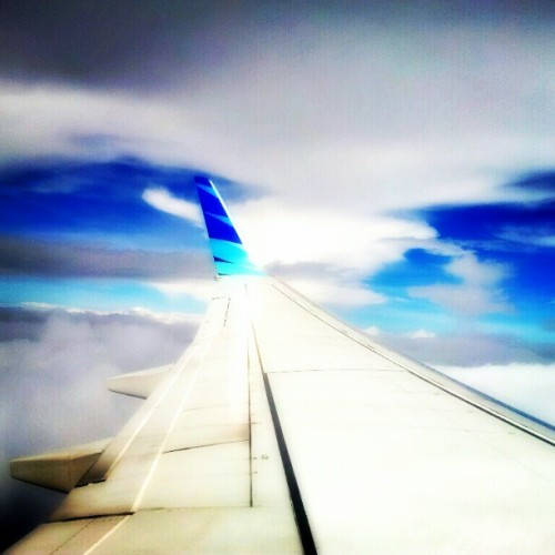 I'm flying without wings #sky #indonesia #androidcommunity #andronesia #androidgraphy #igaddict #igersandroid #instafamous #instagramhub #instagood #popular #skyporn  (Taken with instagram)