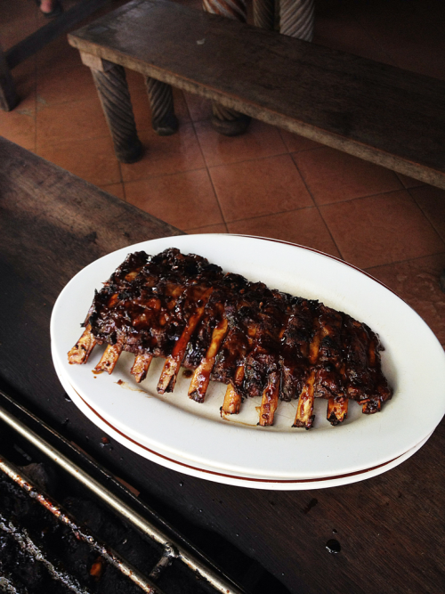 The best pork ribs @ Nuri's , ubud Bali ..