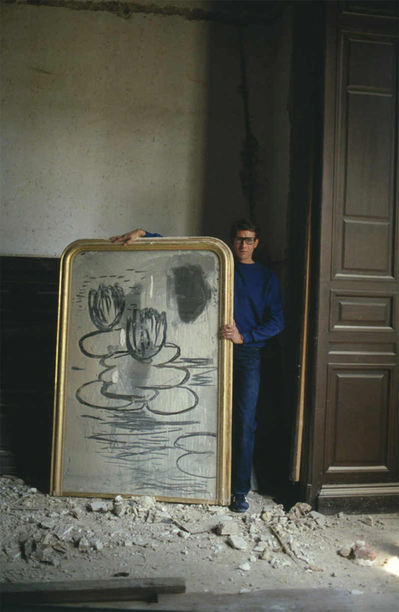 tresbienshop:  Yves Saint Laurent, Paris 1980. Photo: Lord SnowdonAcne Studios and photographer Lord Snowdon have collaborated on a series of shirts and a book with Snowdon's portraits available exclusively at Très Bien May 3, 2012.www.tresbienshop.com