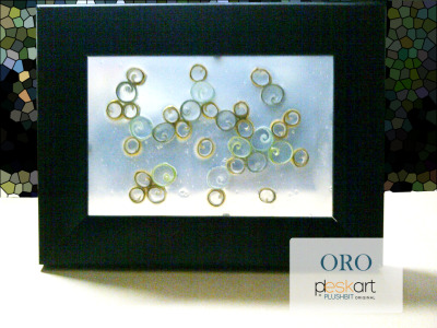 Here is our first PLESKART collection! ORO This is a see-through desk art made out of coloured papers and gold paper. It has flows and it has gold, what more do you ask for? Interested? Bid your price to plushbitware@gmail.com.