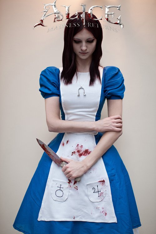 Alice: Return to Madness Cosplay